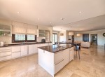 36 Fully fitted kitchen